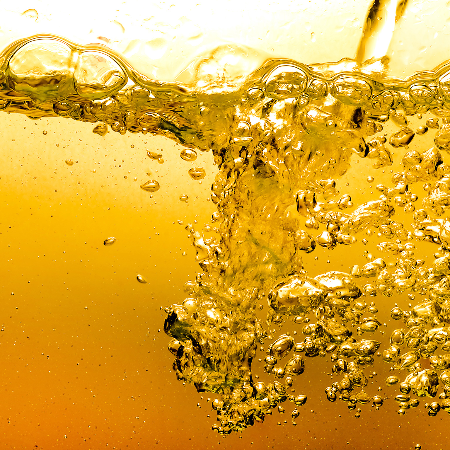 Bubbles in water and oil - gold