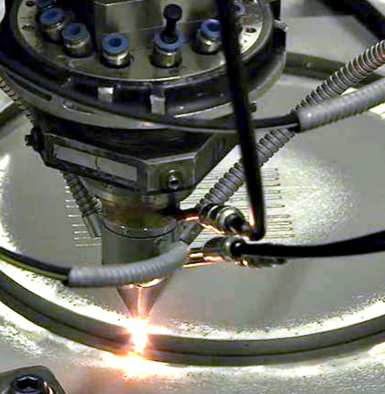 Additive manufacturing laser