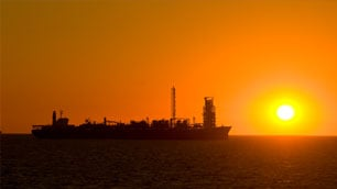 oil_and_gas_-_rule_for_offshore_units_-_fpso_at_dusk